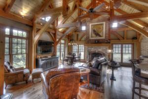old-world-farmhouse-10